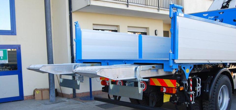 Officine BPM - Trasporto inerti e macchine operatrici