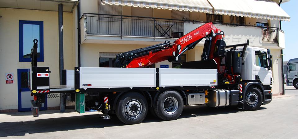 Allestimento camion SCania P360 - cassone fisso allungabile idraulicamente