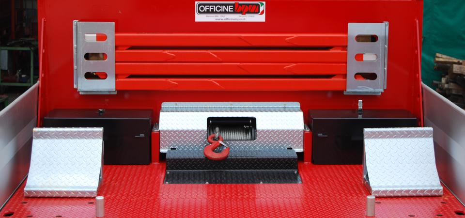cassette attrezzi e verricello 8 tonnellate su pianale ribassato per trasporto cingolati - Officine BPM