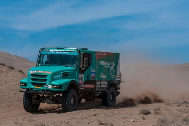 Team Petronas De Rooy Iveco: quarto, nono e tredicesimo posto nella graduatoria finale Trucks Dakar 2013