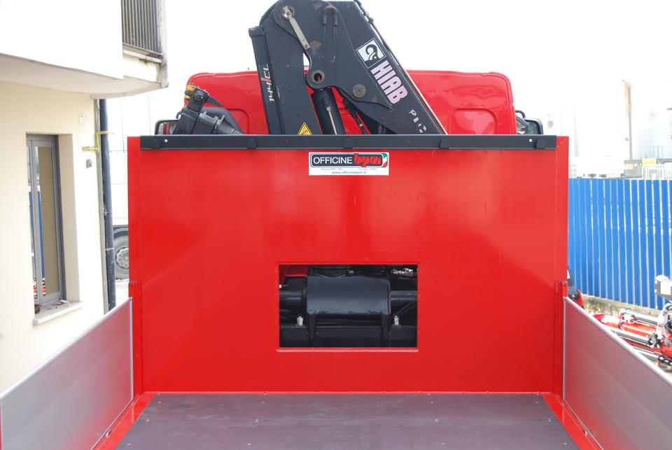 foro per sollevatori trattori su allestimento autocarro - officine BPM