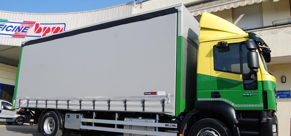 Allestimento camion per aziende di traslochi