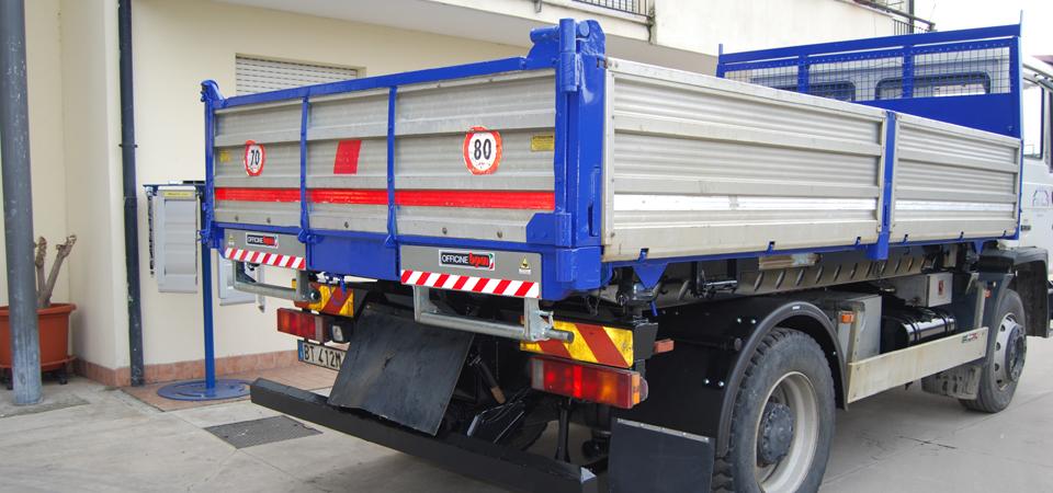 contenitori e accompagnatori per rampe sotto cassa camion