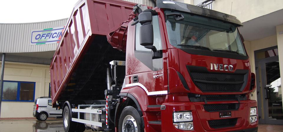 Allestimento camion per trasporto rottami e rifiuti