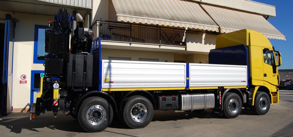 Allestimento camion per posa new jersey stradali