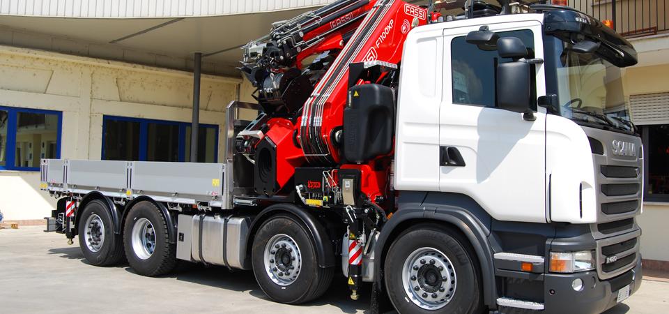 Allestimento truck con cassa allungabile per trasporti ingombranti Bologna