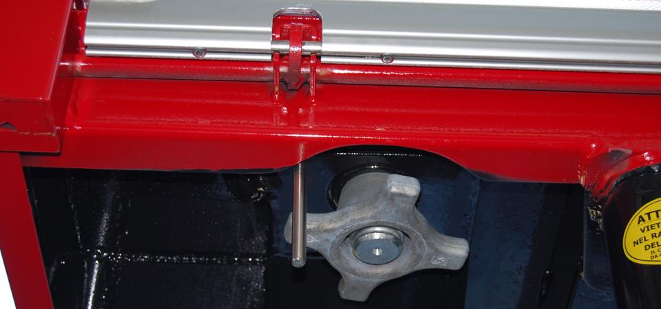 attacco twist-lock per cambio cassa su camion allestito