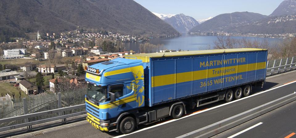 Divieto di sorpasso ai camion in Svizzera