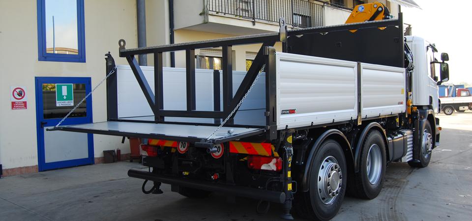 allestimento camion scania p360 per manutenzione metanodotti acquedotti oleodotti