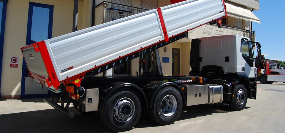 Allestimento per scavi e trasporto inerti e macchine operatrici