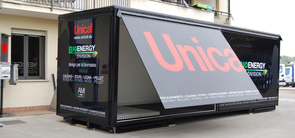 showroom mobile con spazio espositivo