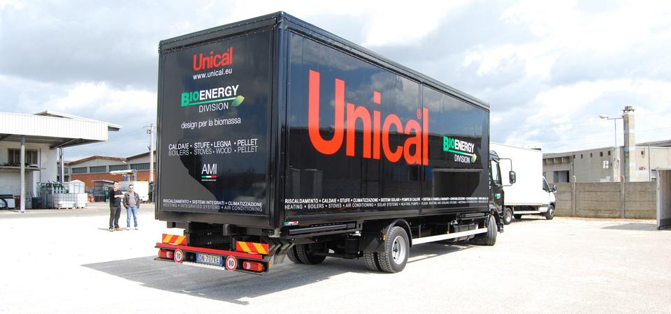 showroom mobile furgone in pannello isolante