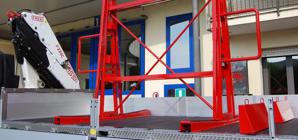 Allestimento-per-il-trasporto-di-vetro-e-lastre-con-cavalletto-costruito-su-misura