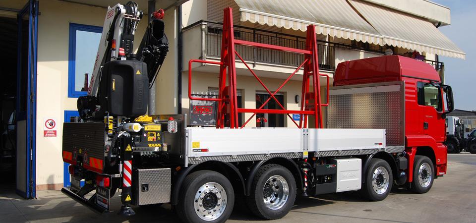 Allestimento-per-il-trasporto-di-vetro-e-lastre-con-centina-scorrevole-bidirezionale