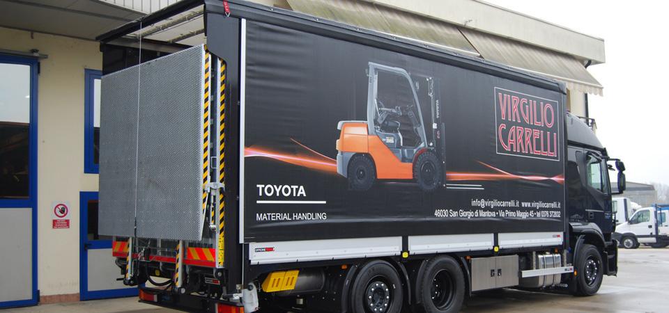 Allestimento per trasporto di carrelli elevatori