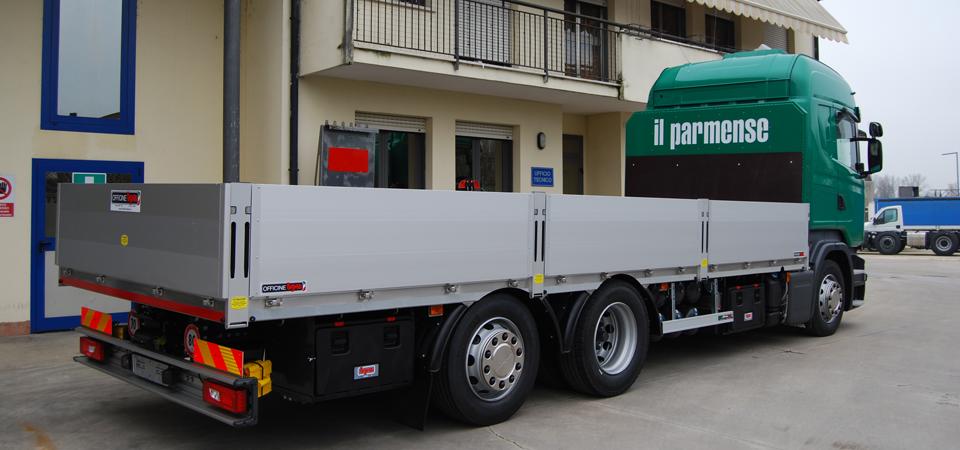 Allestimento-Scania-R490-LB-con-cassone-fisso-ribassato