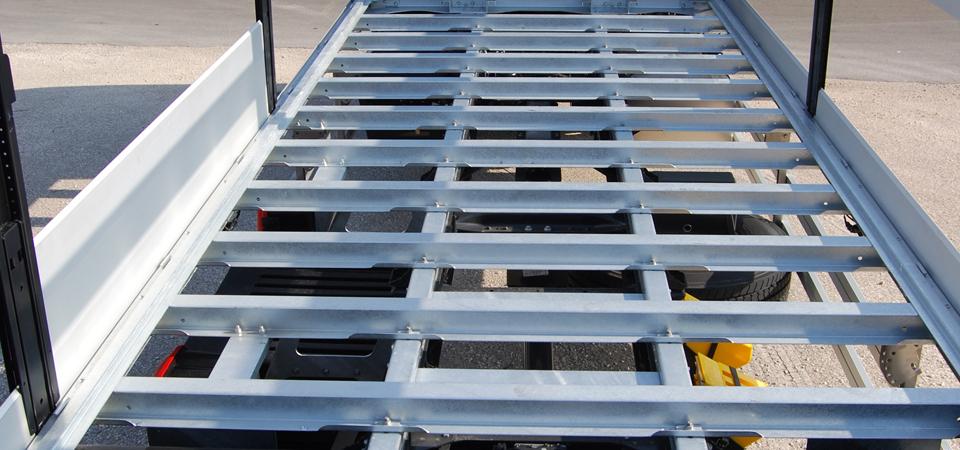 Allestimento-struttura-cassa-imbullonata-per-camion