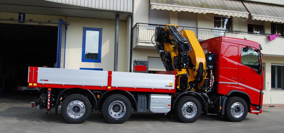 Allestimento per trasporto macchinari pesanti, traslochi macchinari industriali e spedizioni