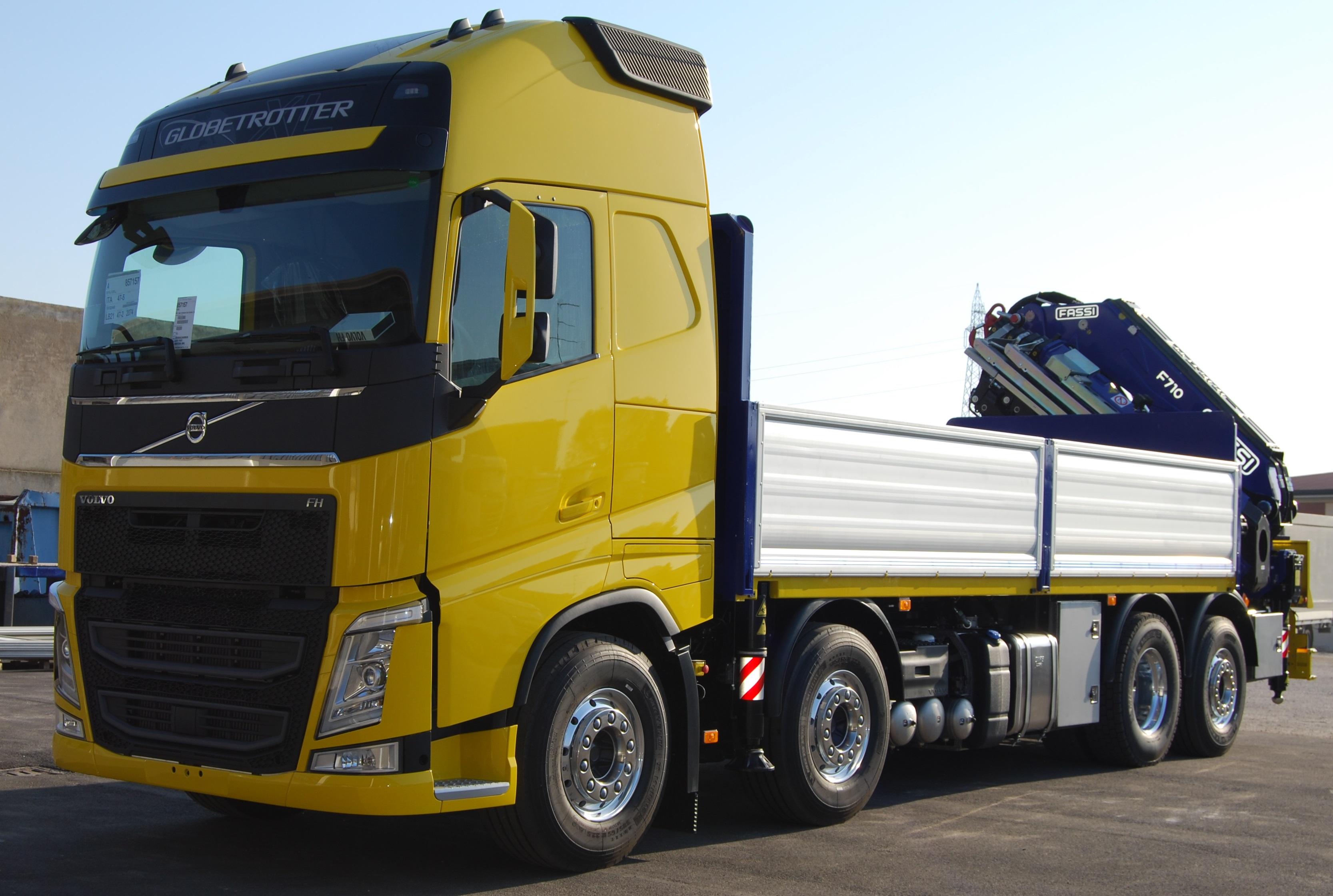 L'allestimento per il trasporto di materiale per un cantiere autostradale