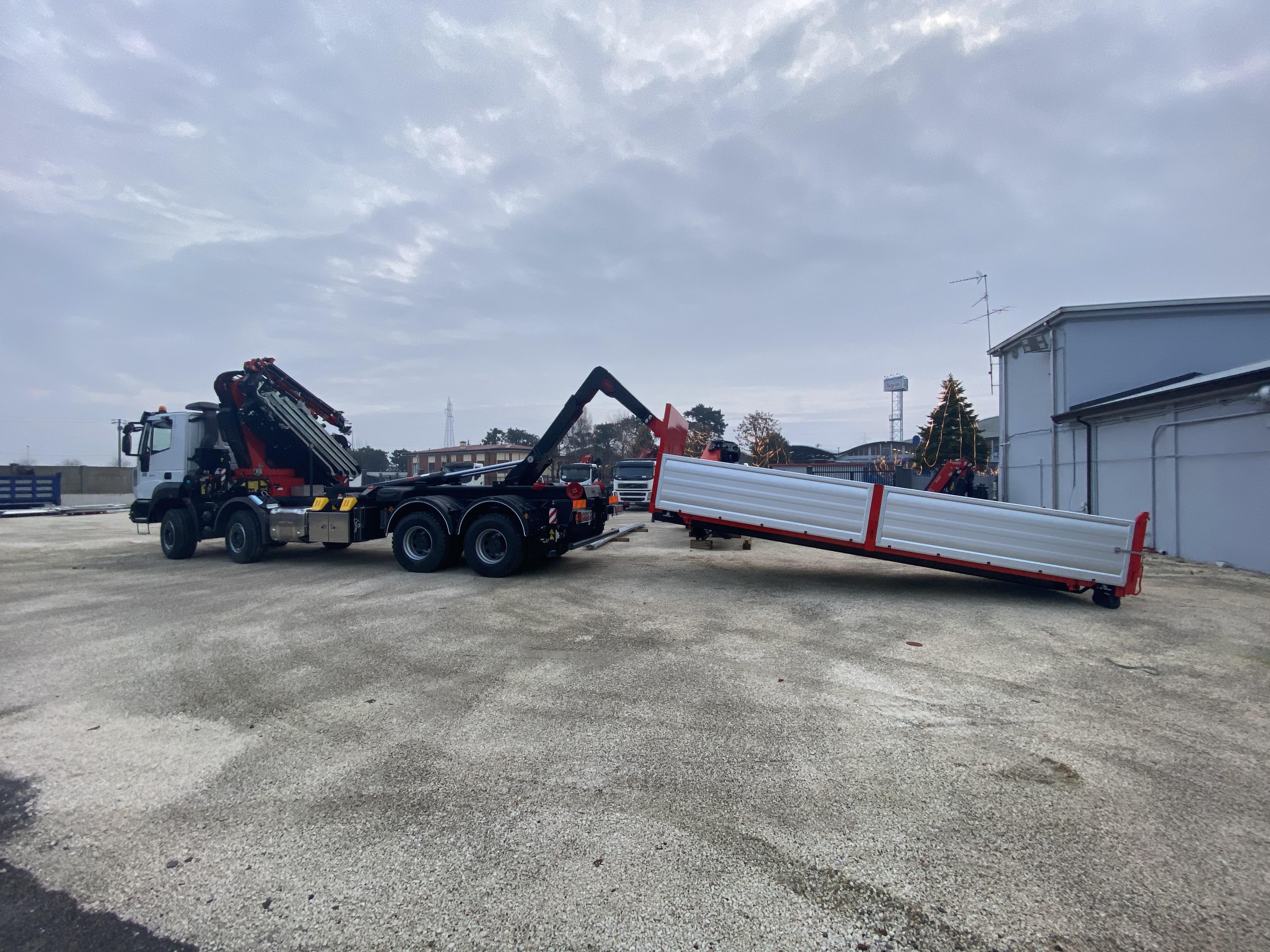 Nuovo allestimento: ecco il camion per il trasporto di merci industriali che abbiamo realizzato per il nostro cliente di Malta