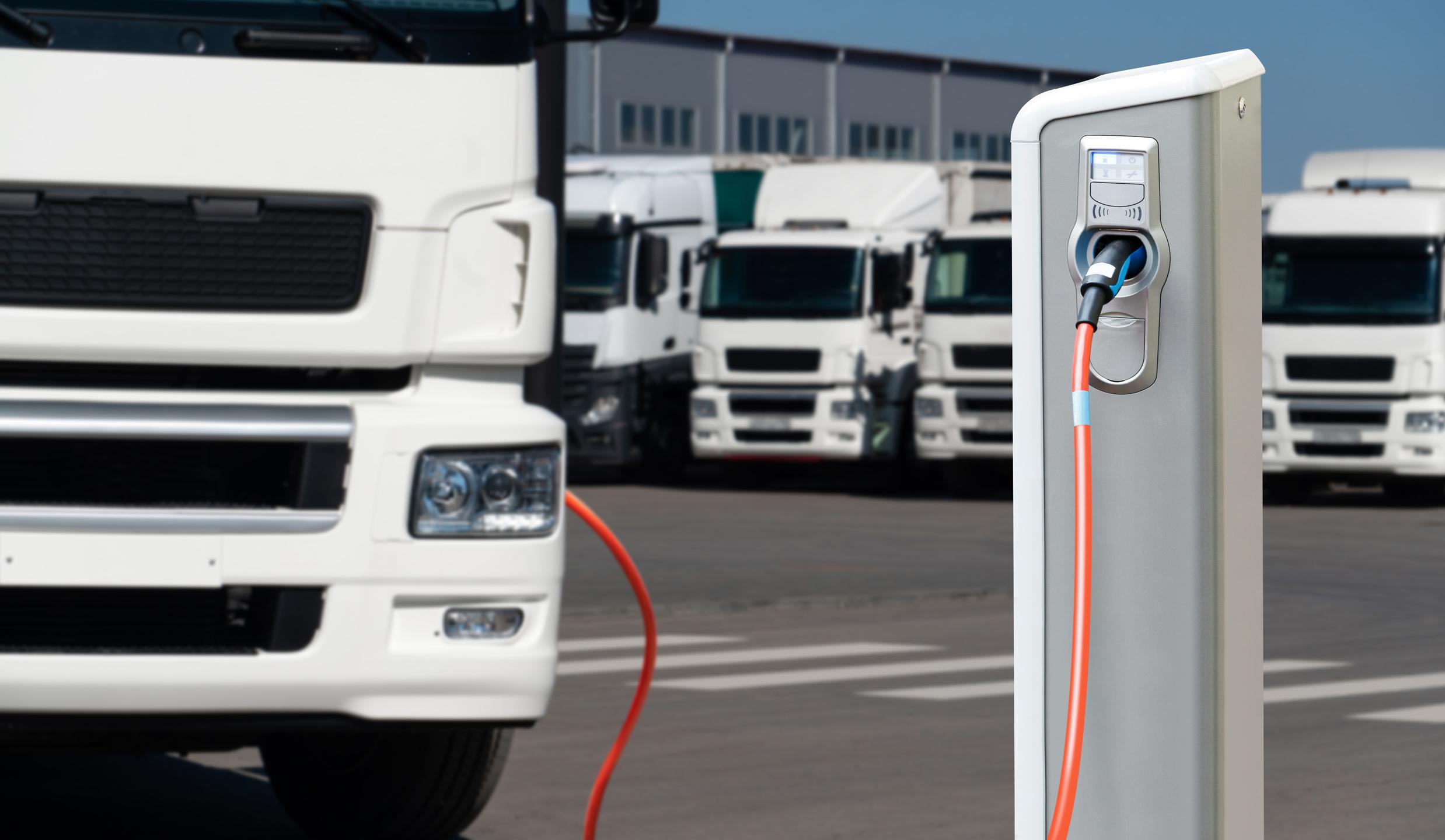 Esclusivamente camion elettrici e ad idrogeno in Europa dal 2040