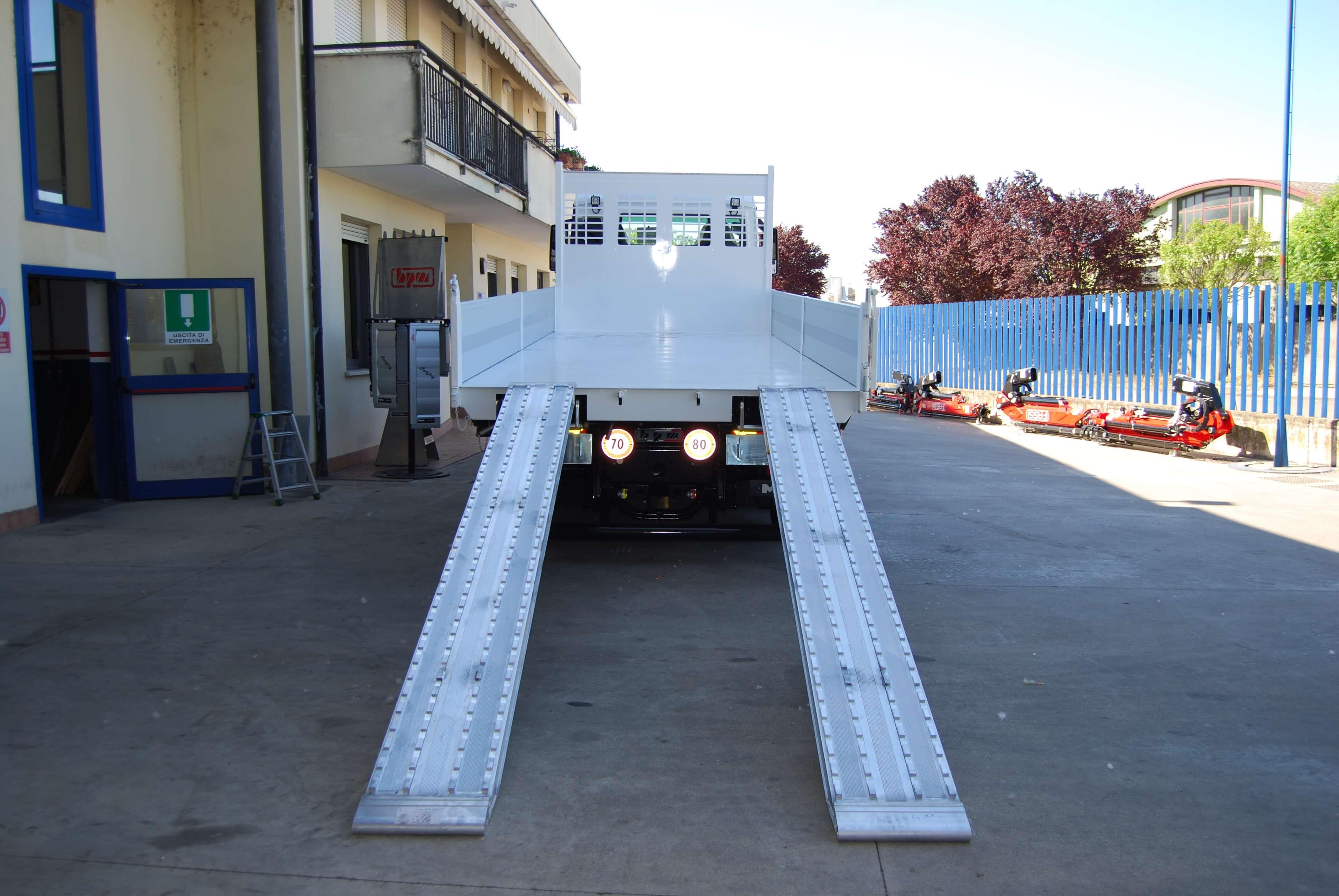 man tgs 26 420 6x2 rampe